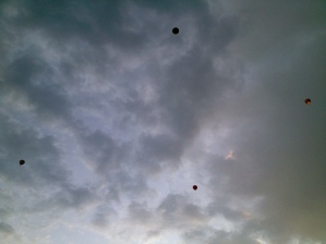 What's the collective noun for balloons? A bunch? A big thanks to this bunch for flying in nice formation!
