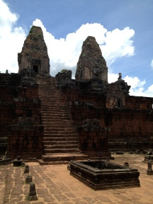 The majestic Prea Rup temple ruins.