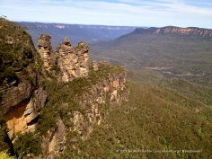 Like many people, the Three Sisters rock formation was the first thing we visited in the Blue Mountains. This shot was taken in the full afternoon sun.